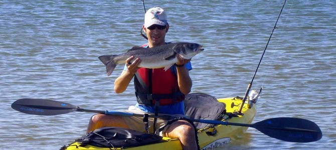 Pesca de lubinas desde kayak