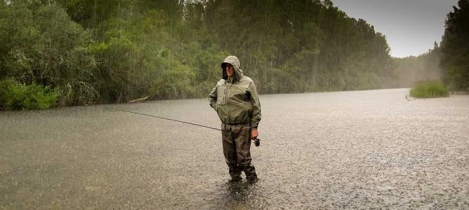 Chubasquero de pesca, cómo elegirlo